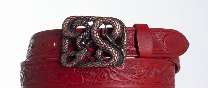 Kožené opasky - Červený kožený pásek Had vz