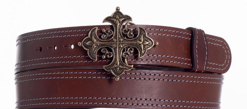 Kožené opasky - Kožený hnědý opasek kříž ob2