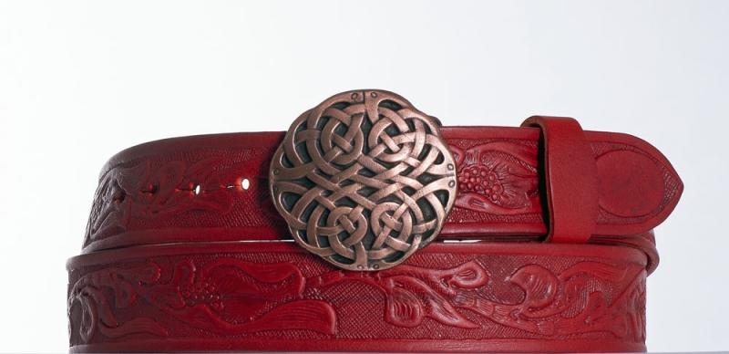 Kožené opasky - Červený kožený pásek Uzel vz