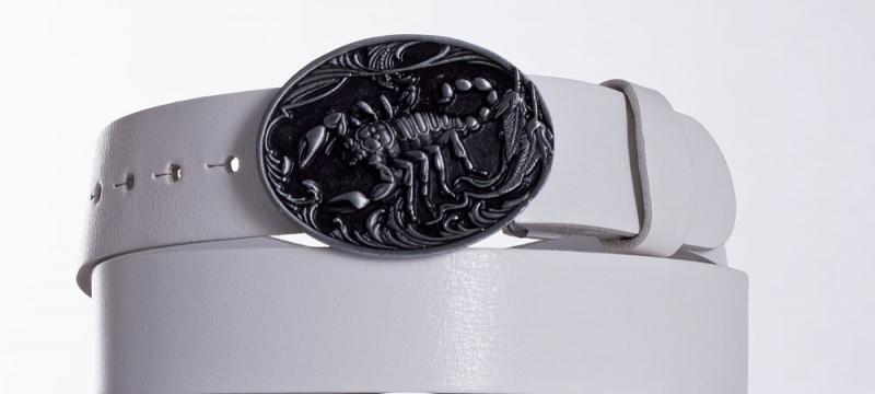 Kožené opasky - Bílý kožený pásek Štír