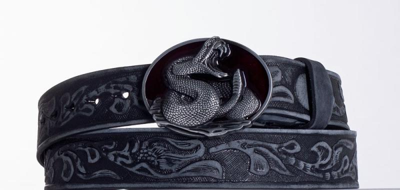 Kožené opasky - Černý kožený opasek Had vzb.