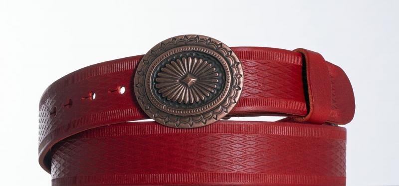 Kožené opasky - Červený kožený opasek Ovál vr