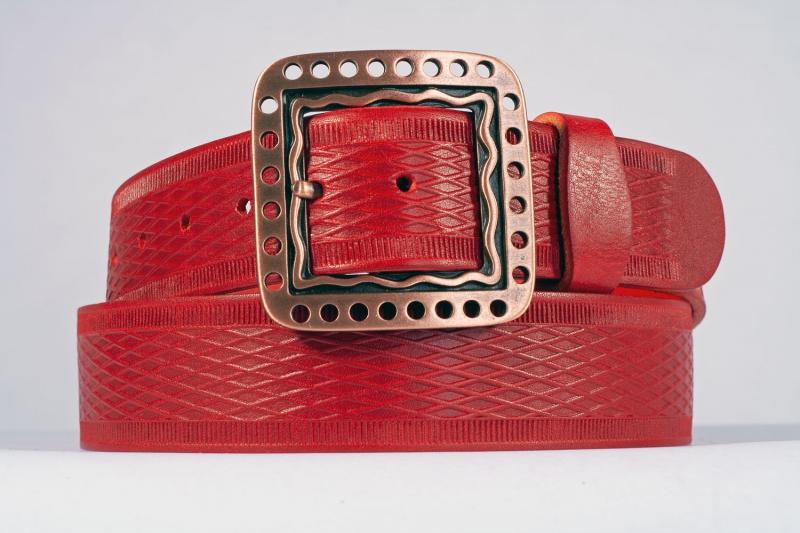 Kožené opasky - Červený opasek 1474 vroubek