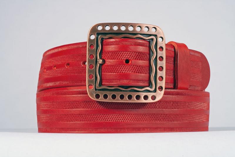 Kožené opasky - Červený opasek 1474 proužek
