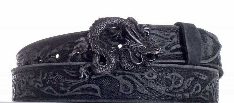 Kožené opasky - Opasek kožený černý Drak vzor broušený
